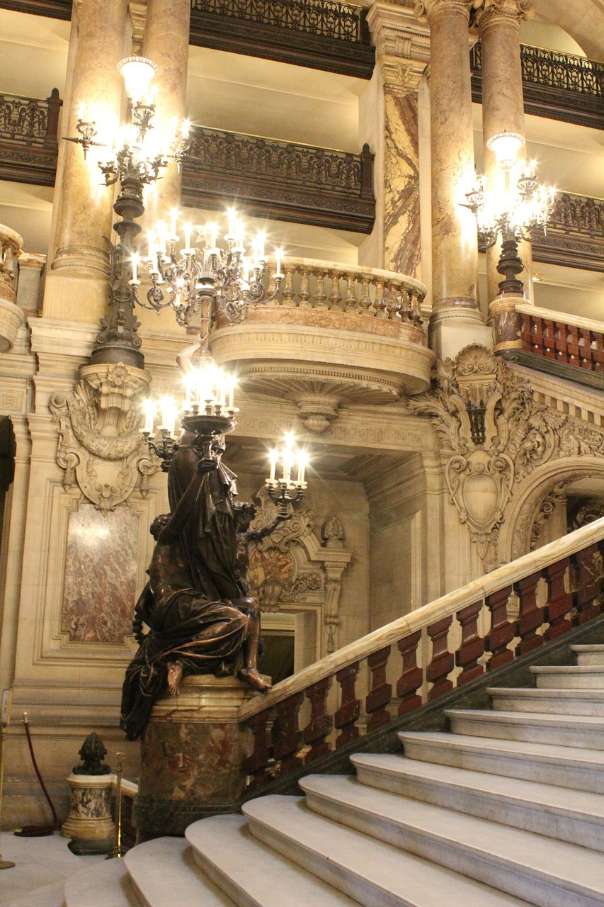 Opera France Wire Theater  - WilBar / Pixabay