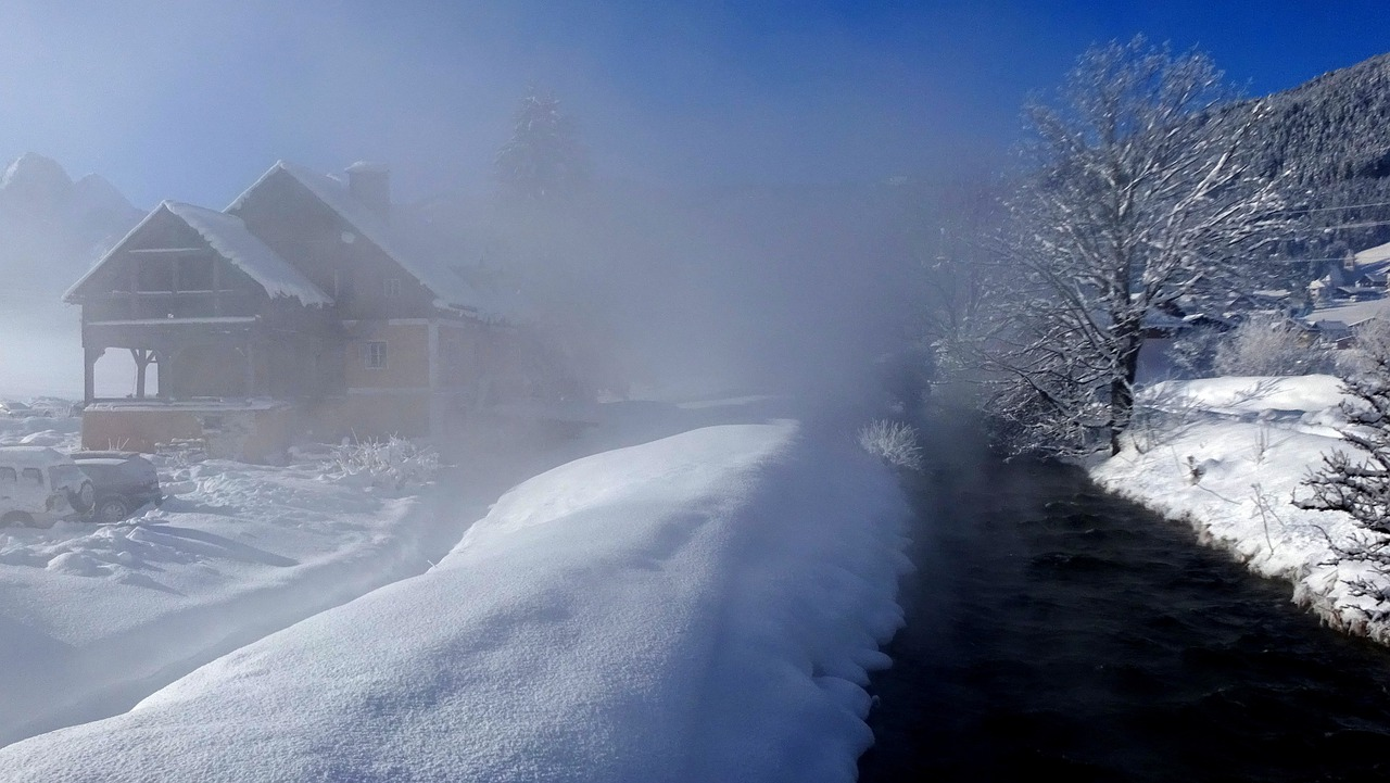 Village Winter River Fog Waterway  - wurliburli / Pixabay